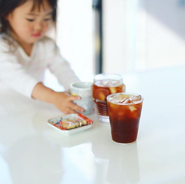 グッドモーニングアイスコーヒーで乾杯。子供は豆乳。うまい! (Instagram)