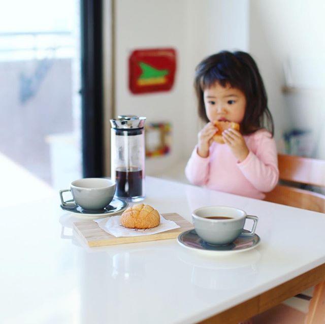 初代・岳乃やのミニメロンパンでグッドモーニングコーヒー。うまい!#nordicstylecafe (Instagram)
