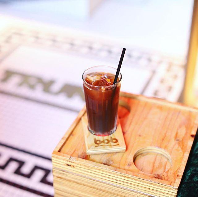 上前津のトランクコーヒーで食後のコーヒータイム。アイスアメリカーノ。うまい!#オニマガ名古屋散歩 (Instagram)