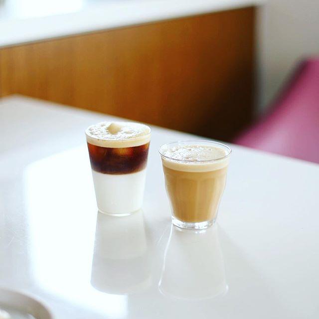 グッドモーニングコーヒー。今日は牛乳入りのシェケラートを2種類作ってみたー。こりゃ楽しいな。うまい! (Instagram)