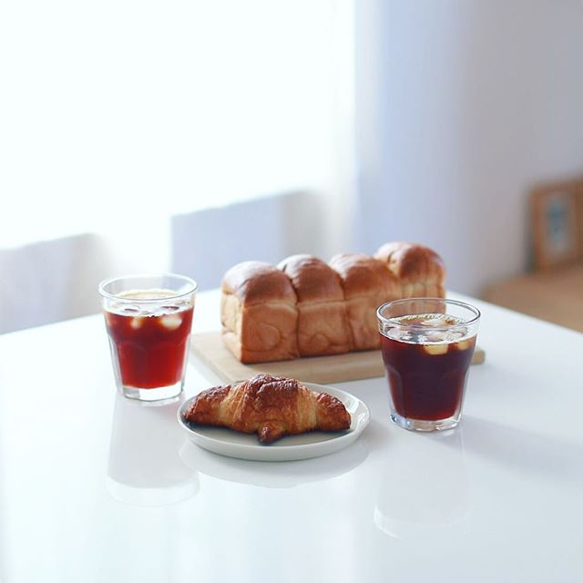 PAFF LABOの米粉クロワッサンとミニ食パンでグッドモーニングコーヒー。米粉のクロワッサン初めて食べたー。うまい!-#pafflabo #パフラボ #米粉パン (Instagram)