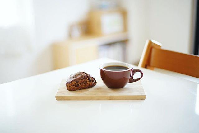 レキップドコガネイのスコーンでグッドモーニングコーヒー。うまい! (Instagram)