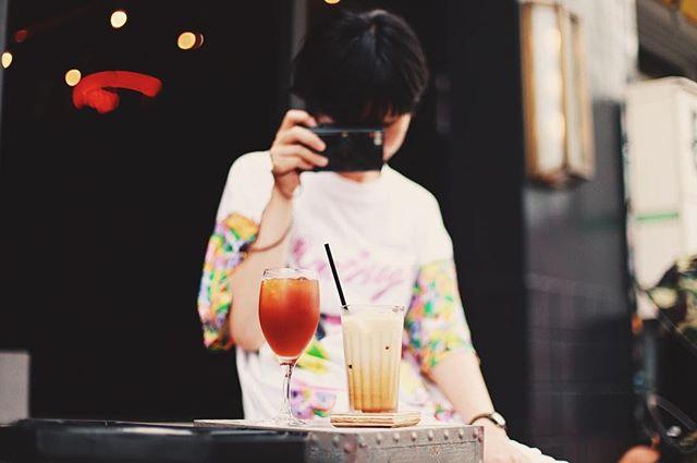 Trunk Coffee & Craft Beerで夕方のコーヒー休憩。道端席もちょっと涼しくなってきて気分良いなー。うまい! (Instagram)