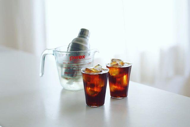 シェイカーでぐるぐる急冷アイスコーヒー。グッドモーニング。うまい! (Instagram)