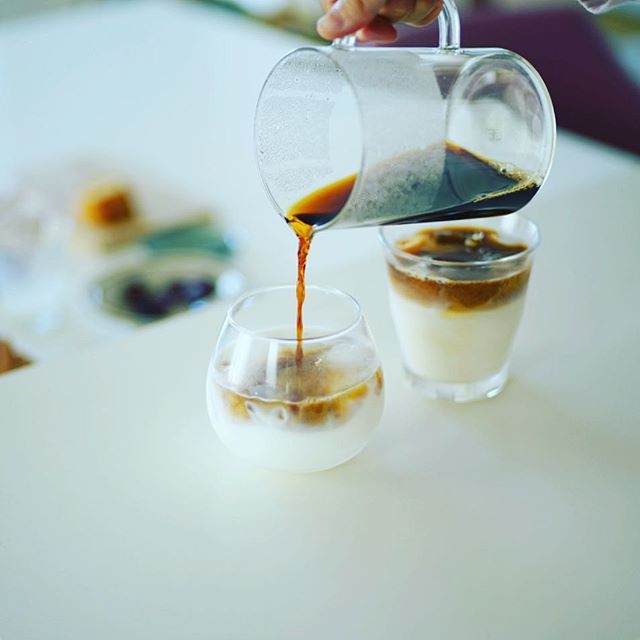 グッドモーニングアイスメープルカフェオレ&豆乳カフェオレ。うまい! (Instagram)