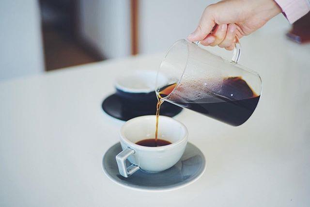 グッドモーニングコーヒー。ホットコーヒーが美味しく感じる涼しい朝。うまい! (Instagram)