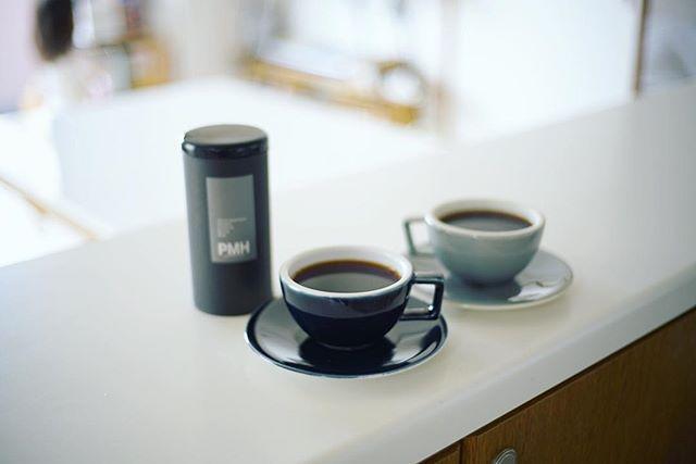 グッドモーニングコーヒー。久々のTHE VIEWブレンド。久々の深煎り。久々の40mmレンズ。うまい! (Instagram)