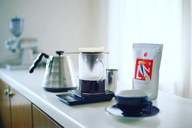 グッドモーニングコーヒー。雨の朝。今週のコーヒー豆はフグレンのEthiopia/Dhilgee Lot2。うまい!...#fuglen #fuglencoffee #fuglencoffeeroasters #fuglentokyo #フグレン #フグレン東京 #フグレントウキョウ #フグレンコーヒー #フグレントーキョー (Instagram)
