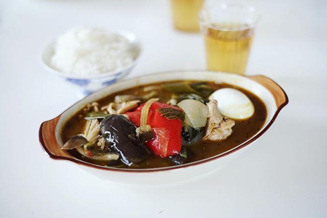 今日の夜ごはんは野菜たっぷりスープカレー。うまい! (Instagram)