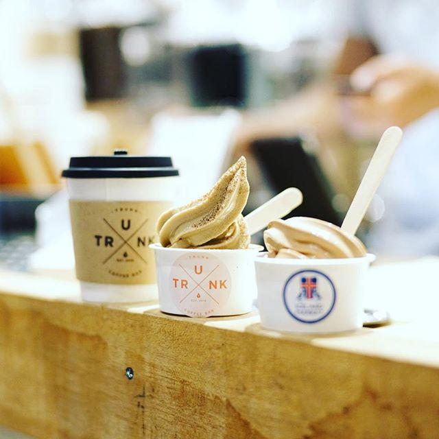 TRUNK Coffee STANDで食後のコーヒー&ソフトクリーム。エスプレッソ味と、アイスランドのOMNOMチョコレート味。うまい!#オニマガ名古屋散歩 #オニマガ名駅散歩 (Instagram)