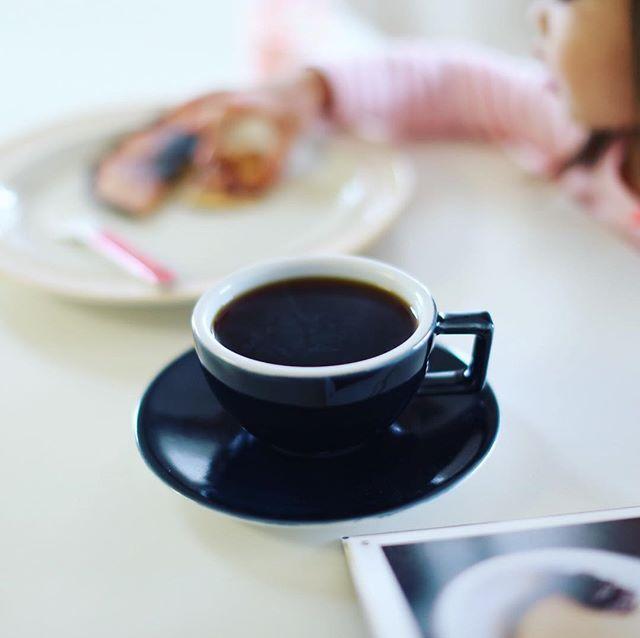 グッドモーニングコーヒー&バナナホットケーキ。まっちんレシピ。うまい! (Instagram)