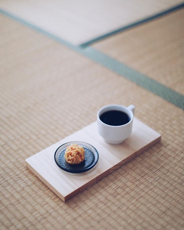 錦の和菓子屋さん川口屋の秋色でグッドモーニングコーヒー。うまい! (Instagram)
