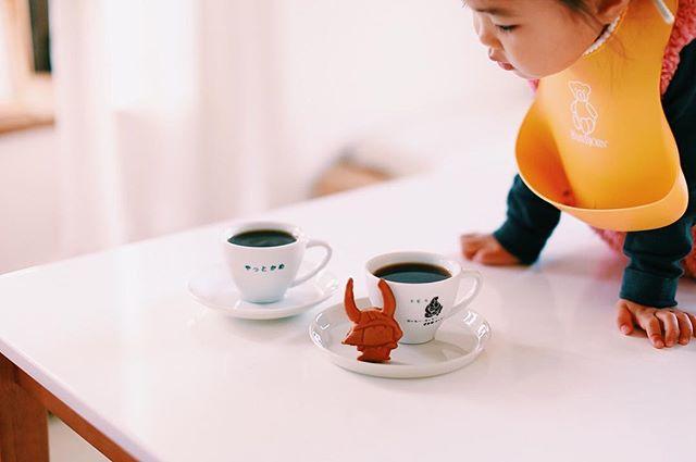 菓心おおすがのひこにゃん人形焼でグッドモーニングコーヒー。彦根のお土産でもらったー。うまい!#gm...#菓心おおすが #ひこにゃん #人形焼 #彦根 #お土産 (Instagram)