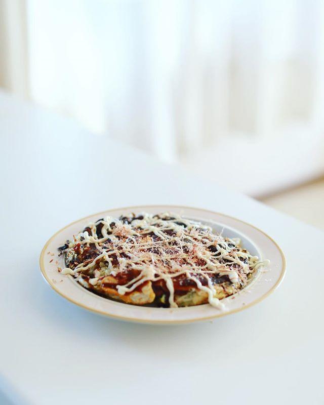 今日のお昼ご飯は、米粉のお好み焼き。うまい! (Instagram)