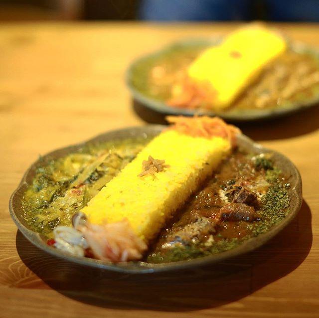 橘のBar Ka na taにカレー食べに来たよ。南インド風鹿のカレーと和出汁のベジタブルカレーのあいがけ。うまい!#オニマガ名古屋散歩 #オニマガ大須散歩 (Instagram)
