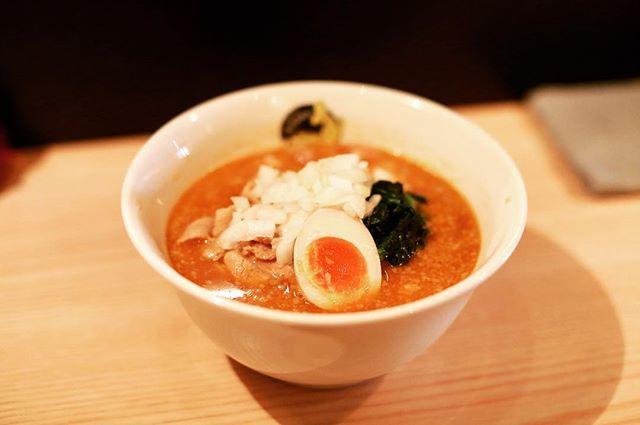 大須の肉そばなおじの濃厚味噌カレーラーメン食べに来たよ。うまい!#オニマガ名古屋散歩 (Instagram)