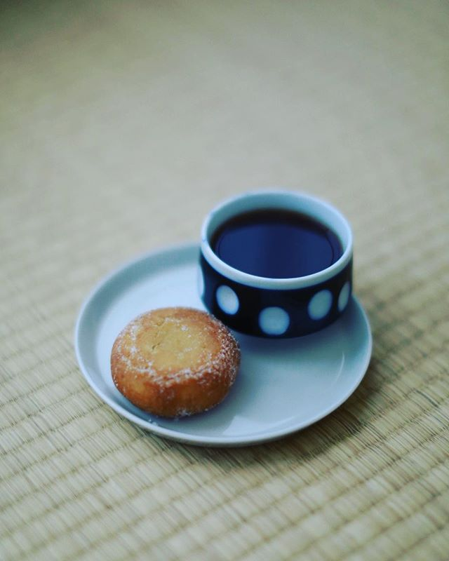 グッドモーニングコーヒー&あんドーナッツ。うまい! (Instagram)