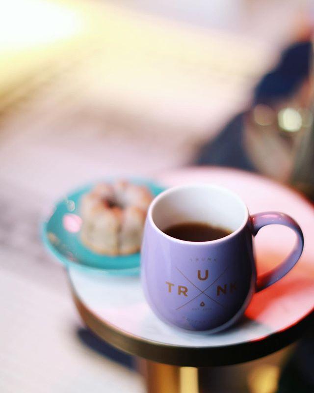 Trunk Coffee & Craft Beerで3時のおやつタイム。コーヒー&クグロフ。うまい!#オニマガ名古屋散歩#trunkcoffeeandcraftbeer (Instagram)