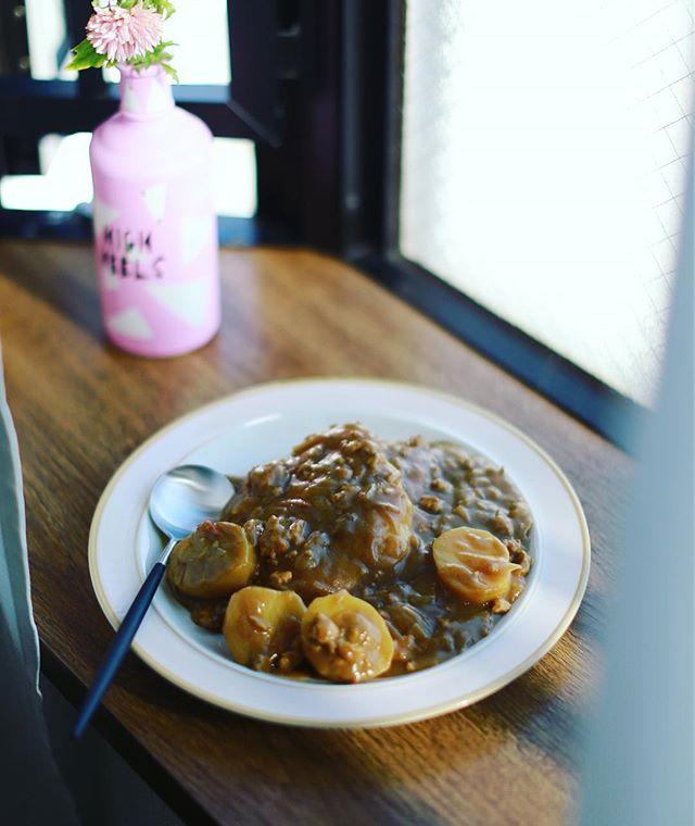 今日のお昼ご飯は、具がジャガイモばっかりカレー。うまい! (Instagram)