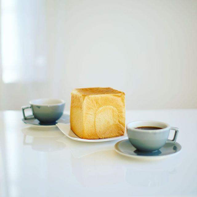リアンリアンの食パンでグッドモーニングコーヒー。うまい!#lienlien (Instagram)
