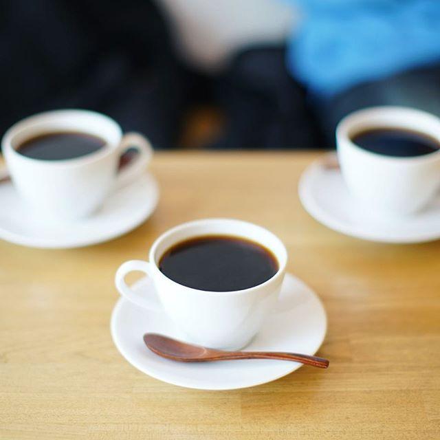 今日は写真部in鎌倉。さっそくMODERATO ROASTING COFFEEでコーヒータイム。うまい! (Instagram)