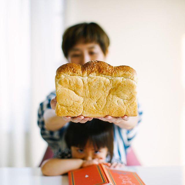 SURIPUの食パン丸ごとでグッドモーニング。ズッシリ。うまい! (Instagram)