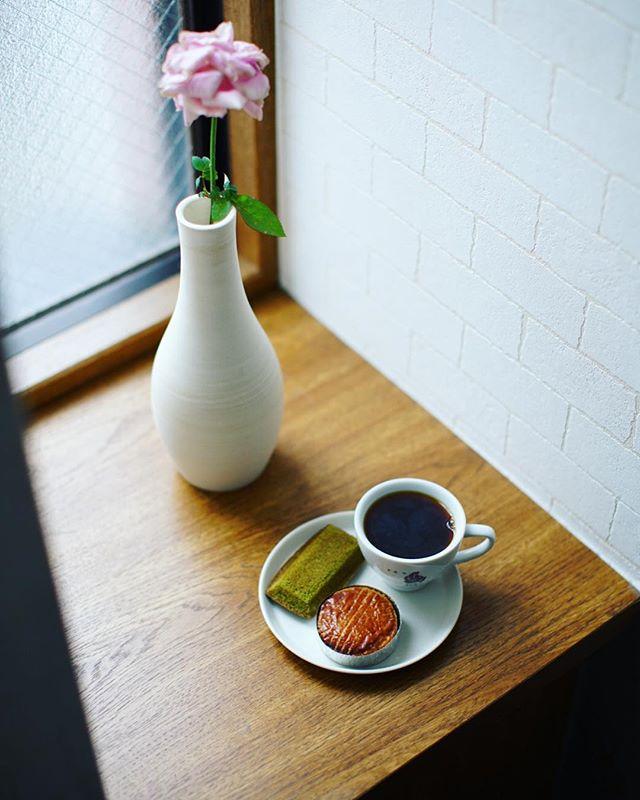 ガレ・ドゥ・ワタナベのガレットブルトンヌと抹茶フィナンシェでグッドモーニングコーヒー。うまい!-#galledewatanabe #galledewatanabefevrier #ガレドゥワタナベ #ガレドゥワタナベフェブリエ (Instagram)