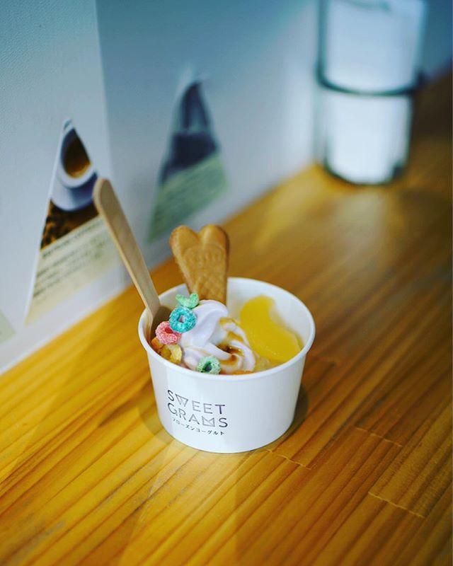 Sweet Gramsで3時のフローズンヨーグルトタイム。うまい!#オニマガ名古屋散歩#sweetgrams #フロヨ (Instagram)