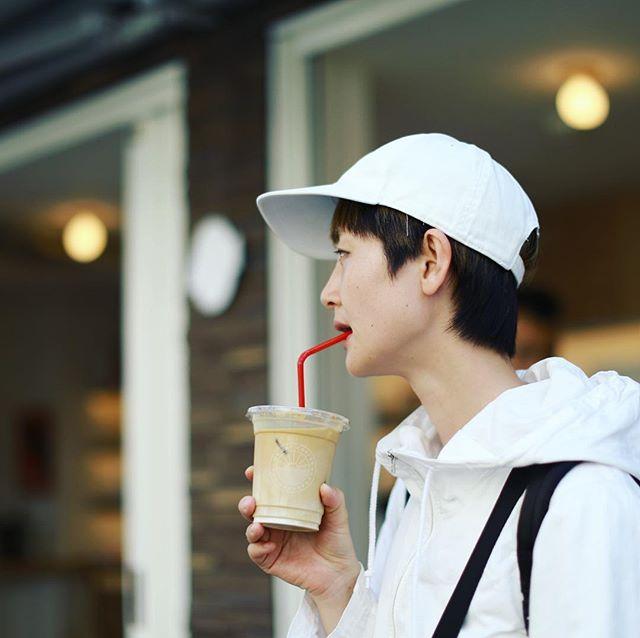 写真部で奥渋散歩。今日は暑い!と言うわけでCoffee Supremeでアイスラテ休憩。うまい!-#coffeesupremetokyo (Instagram)