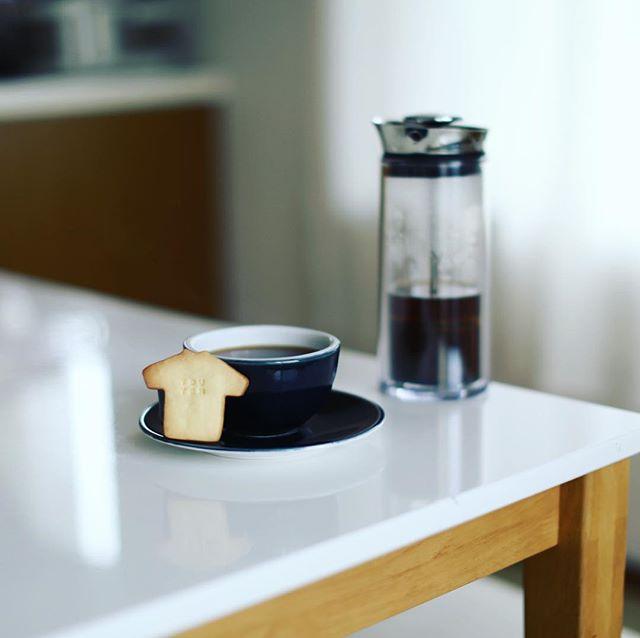 LIT COFFEEでもらったTOUTENクッキーでグッドモーニングコーヒー。うまい! (Instagram)