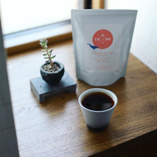 グッドモーニングコーヒー。今日から豆はTRUNK COFFEEのホンジュラスCRESENCIO。うまい! (Instagram)