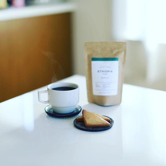 ROLE COFFEEのシトロンとSIENA COFFEE FACTORYのエチオピアALAKAでグッドモーニングコーヒー。 ナゴヤコーヒースタンドのお土産。うまい!-#rolecoffee #sienacoffeefactory #ナゴヤコーヒースタンド (Instagram)