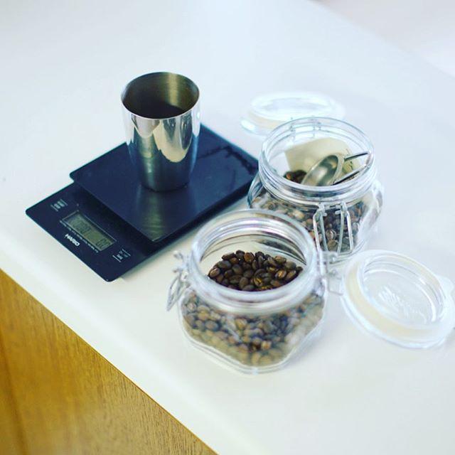 グッドモーニングコーヒー。自分で手網焙煎したコーヒー豆でオリジナルブレンドを作って楽しむ雨の水曜日。うまい! (Instagram)