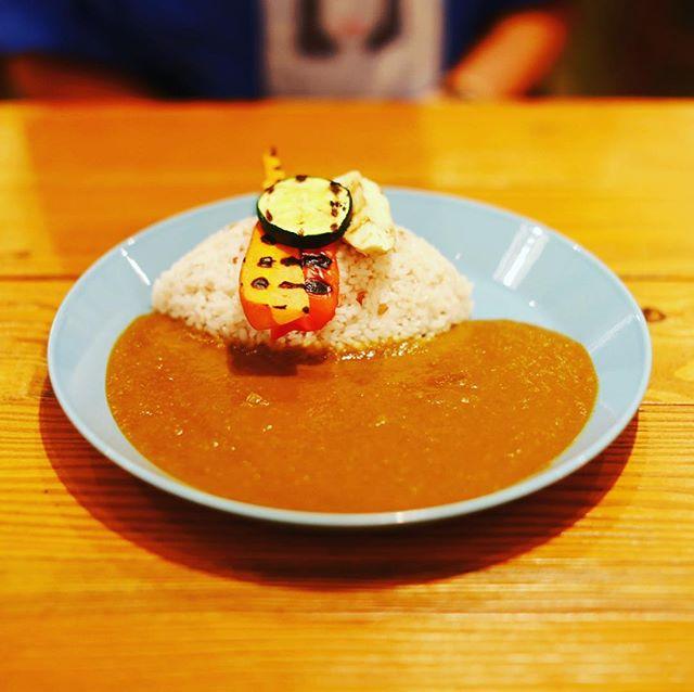 南青山野菜基地に野菜カレー食べに来たよ。うまい! (Instagram)
