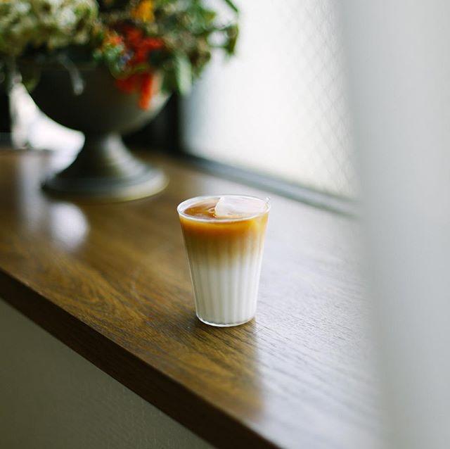 自宅焙煎コーヒーのアイスカフェオレでグッドモーニング。うまい!#手網焙煎 #自宅焙煎 (Instagram)