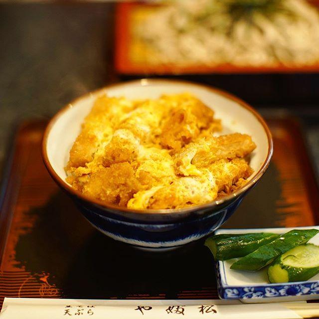 川名のやぶ松でカツ丼&ざる蕎麦ランチ。うまい!#オニマガ名古屋散歩 (Instagram)
