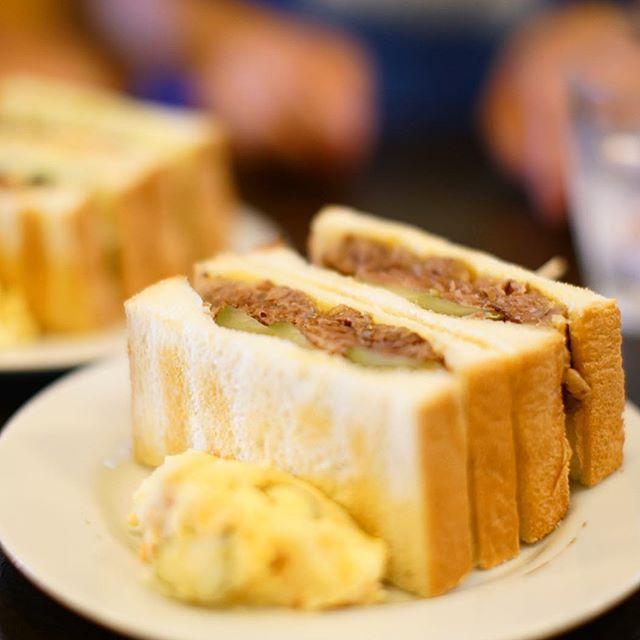 今池のシヤチルでお昼ごはん。ソルトビーフサンドイッチ。うまい!#オニマガ名古屋散歩 (Instagram)