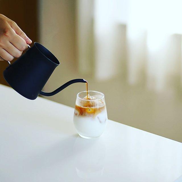 グッドモーニングアイスカフェオレ。今日はコーヒー濃い目。うまい!#voigtlanderism (Instagram)