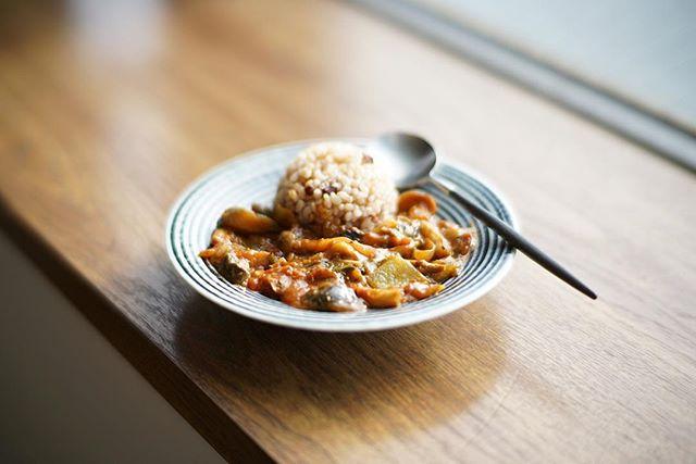 酵素玄米サバトマトカレーでグッドモーニング。うまい! (Instagram)