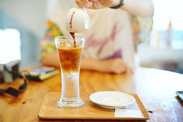 Q.O.L COFFEEでエスプレッソソーダ休憩。自分でドワーッ!うまい!#オニマガ名古屋散歩 (Instagram)