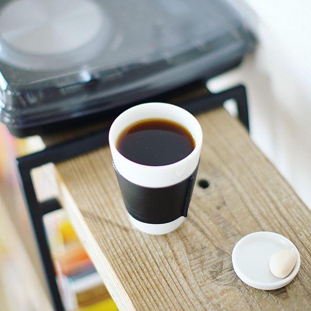 グッドモーニングコーヒー。挽いたコーヒーを茶こしで微粉をちゃんと取り除いてから淹れたら、スッキリしていつもより美味しい!気がする!うまい! (Instagram)