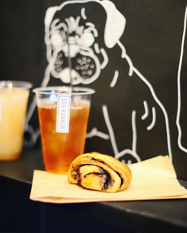 KANNON COFFEEでおやつタイム。エスプレッソロール&アイス和紅茶。うまい!#オニマガ名古屋散歩 (Instagram)