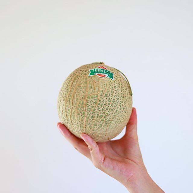 おすそ分けしてもらった月形メロンでグッドモーニング。甘い!うまい! (Instagram)