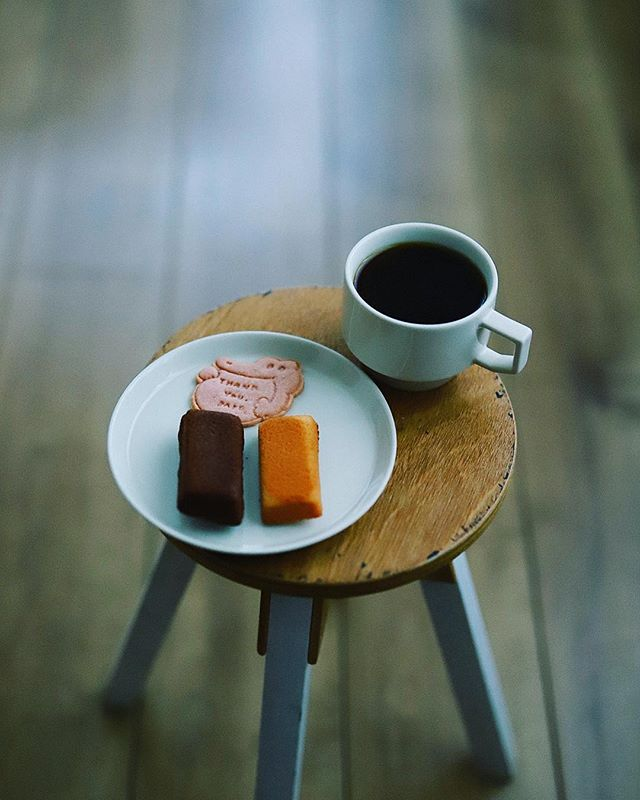 サンキューベイクのフィナンシェでグッドモーニングコーヒー。うまい!#thankyoubake (Instagram)