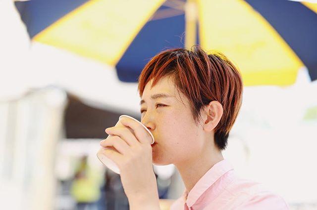 公園でグッドモーニングコーヒー、と見せかけて、お味噌汁。うまい! (Instagram)