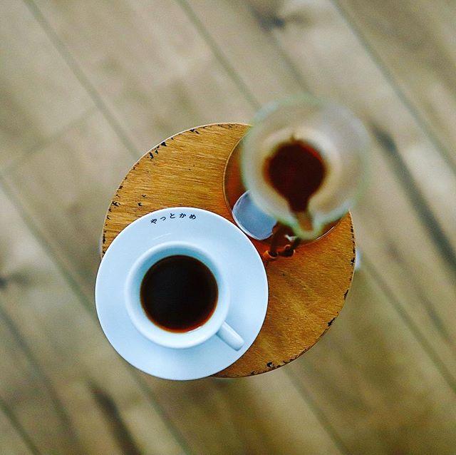 10月1日は国際コーヒーの日。今日からコーヒーの新年度で今日以降の収穫がニュークロップってことなのね!コーヒー屋さんからクーポンが届いて初めてコーヒーの日の意味を知った朝。グッドモーニングコーヒー。うまい! (Instagram)