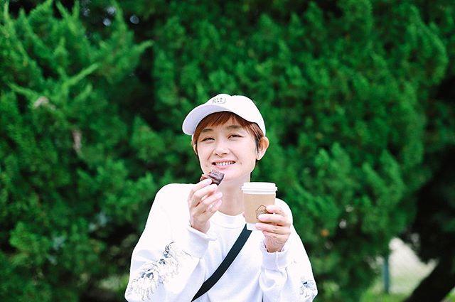 今日は熱田神宮〜中川区をサイクリング。SUNNY FUNNY COFFEE.でコーヒーをテイクアウトして、カルチェラタンのカヌレと一緒に松葉公園でおやつタイム。うまい!#オニマガ名古屋散歩 (Instagram)