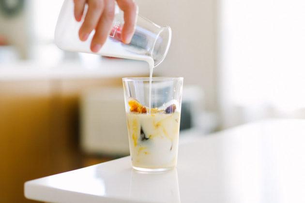 氷コーヒーの作り方(ジップロックで簡単!美味しいカフェオレの飲み方)